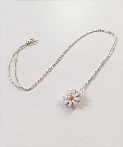 white daisy necklace 項鍊