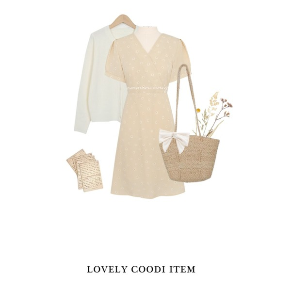 From Beginning Round button mini cardigan_H (size : free),Zemma World Basket straw (bag),common unique BEBE FLOWER STRAP OPS등을 매치한 코디