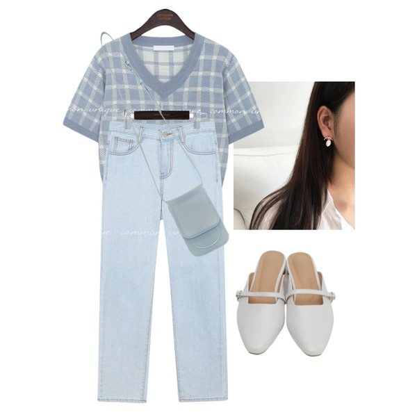 From Beginning Frame mary-jane mule_H (size : 230,235,240,245,250),lavenir (silver925) tour earring,common unique MONT CHECK V NECK 1/2 KNIT등을 매치한 코디