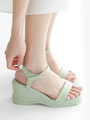 Decae wedge strap sandals 7 cm