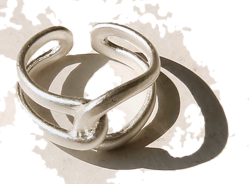 NELL TWIST CIRCLE BOLD RING