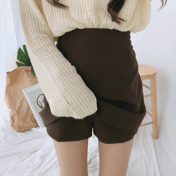 Autumn collaboration mini skirt
