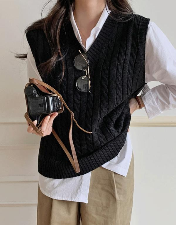 Teddy Twist Knit Vest Cardigan/Vest