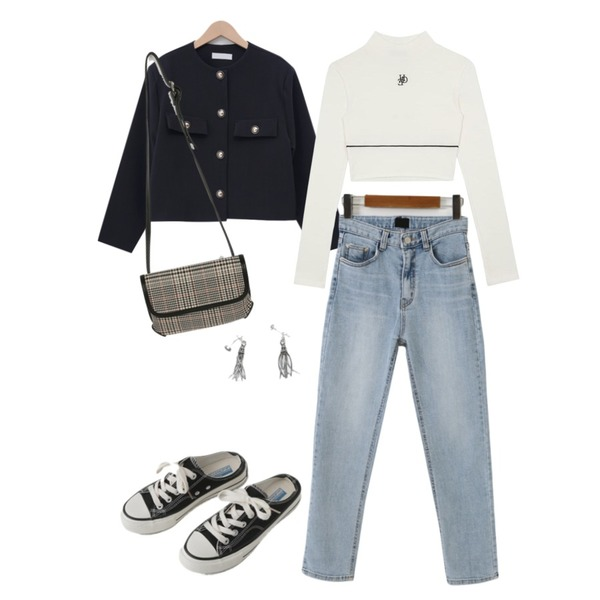 AFTERMONDAY vintage tassel earrings,AFTERMONDAY simple mule sneakers (2colors),From Beginning Gold button short jacket_U (size : free)등을 매치한 코디