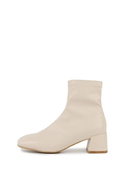 Skinny middle heel ankle boots 靴子