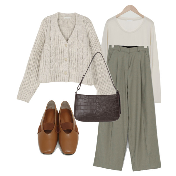 From Beginning Creme two-way bag_A (size : one),From Beginning Rod banding flat shoes_C (size : 225,230,235,240,245,250),From Beginning 웨어 베이직U넥티셔츠 (5color)등을 매치한 코디