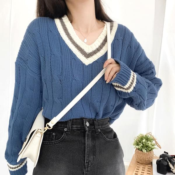 Royal Color V-neck Twisted Knit 針織衫