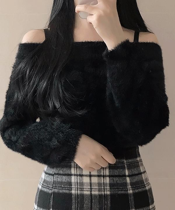 Posong Off Shoulder Angora Knit