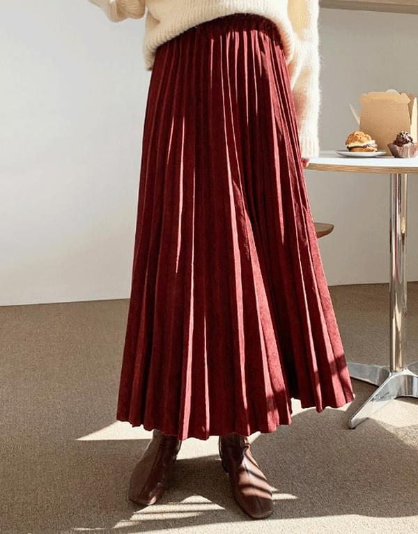 Clare suede pleated long skirt