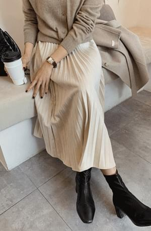 Suede pleated skirt