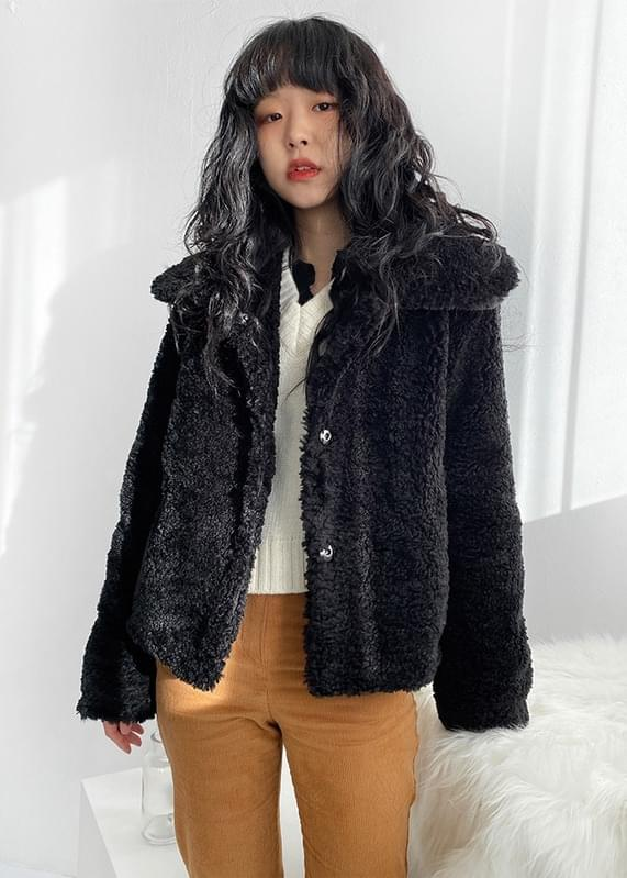 Wendy high-neck fur jacket