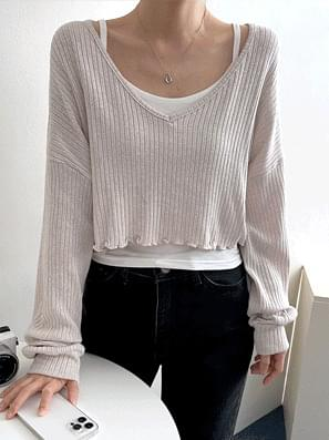 Touch V-Neck Cropped Long Sleeve Tee