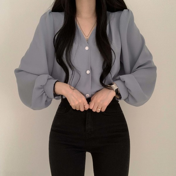 Romeo button V-Neck blouse