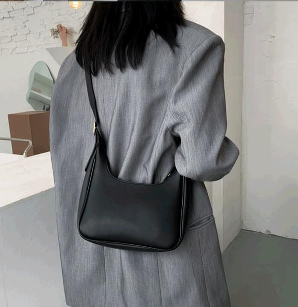 Square hobo shoulder bag