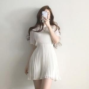 Thin pleated pleated chiffon short sleeve mini Dress