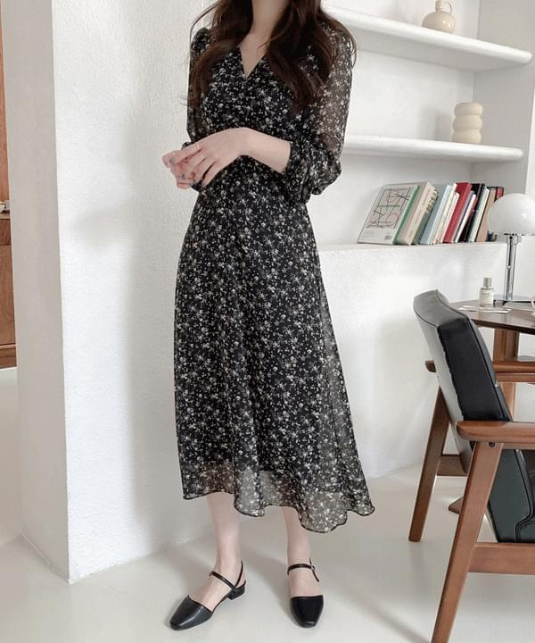 Honeycat Shirring Flower Long Dress