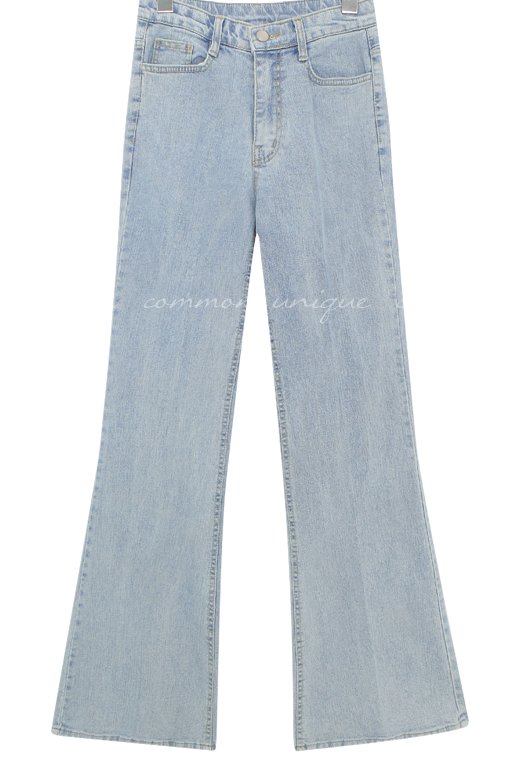 Relaxed Fit Bootcut Jeans