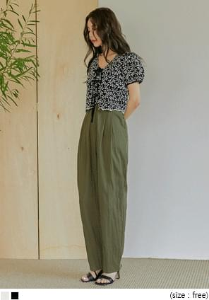 Ditsy Pattern Cropped Blouse
