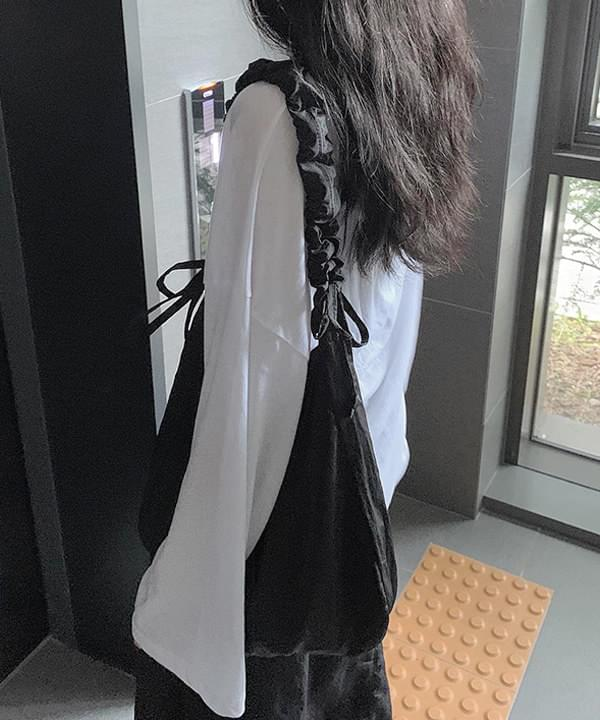 pleated string line bag