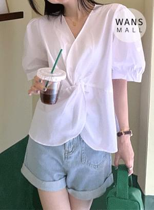 bl5196 Nilo Twisted Short Sleeve Blouse