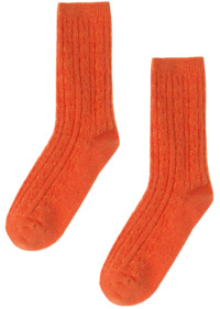 Knit socks with pretenders