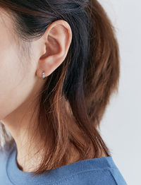 Simple mini ring earring_M (size : one)