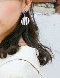 Marine blue earring_M (size : one)