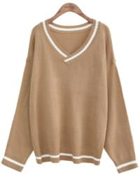TINY V NECK KNIT