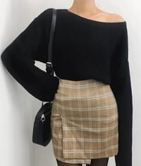 Wide Neck Loose Fit Knit Top