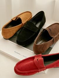 Judy classic suede loafer