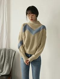 loose fit wave half neck knit