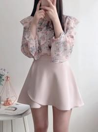Pastel flared skirt pants
