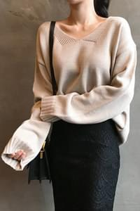 Clay neck knit