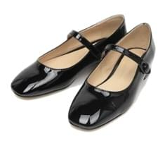 lovely enamel flat shoes (225-250)