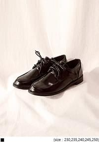 [SHEOS] PLAIN GLOSSY BLACK LOAFER