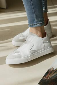 Two-band slip-on