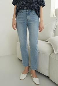 Flat straight light denim