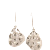 CLAM OVAL METAL EARRING