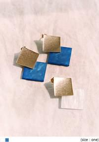 [JEWELRY] SQUARE GOLD DROP EARRING