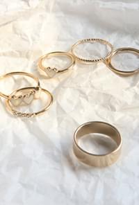 Heart point ring set