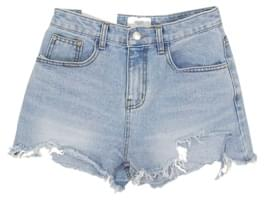 Hemming blue shorts