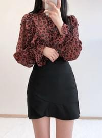 Laughing frilly blouse