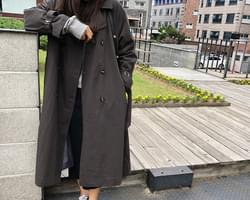 Self-produced / Hautmont-trench coat