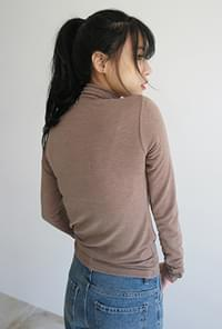 Light polo neck tee