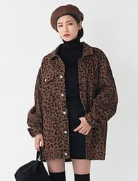 boxy fit leopard jacket
