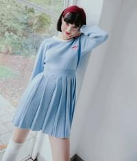 Heart Pleats Knit Dress