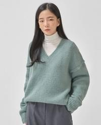 cloud alpaca v-neck knit