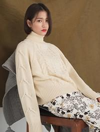 twiste shape wool knit