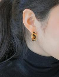 Mellow gold leopard earring_M (size : one)