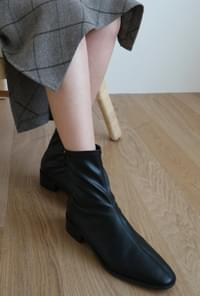 Back zipper slim ankle boots